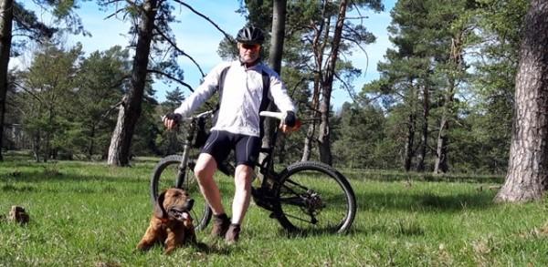 Mountainbiken-mit-Hund